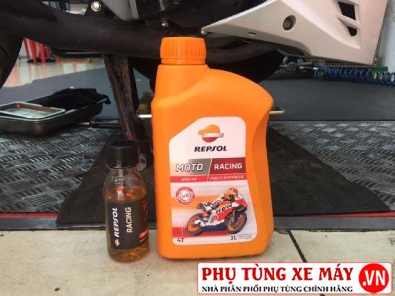 Nhớt repsol racing 10w40 - 2